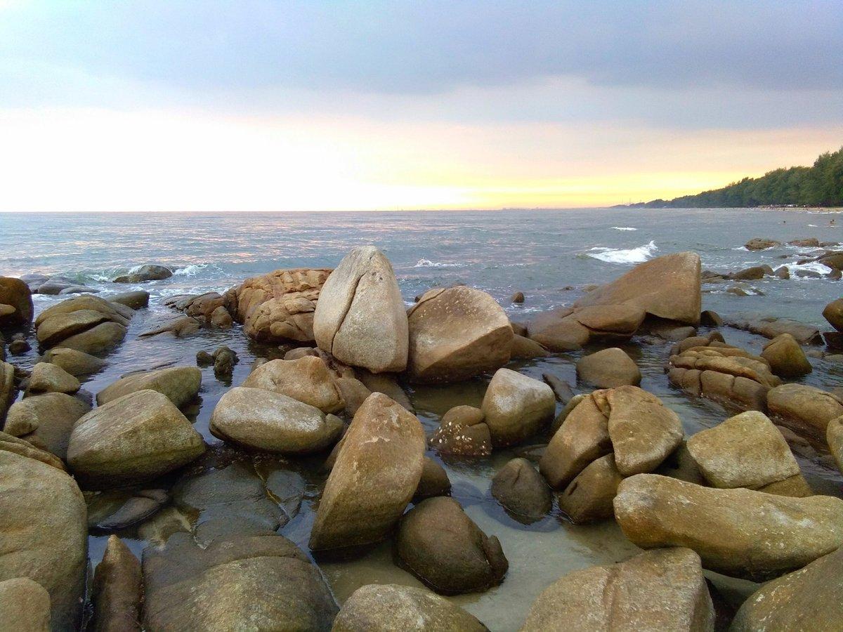 ลานหินขาว หาดแม่รำพึง เที่ยวทะเลระยอง 13