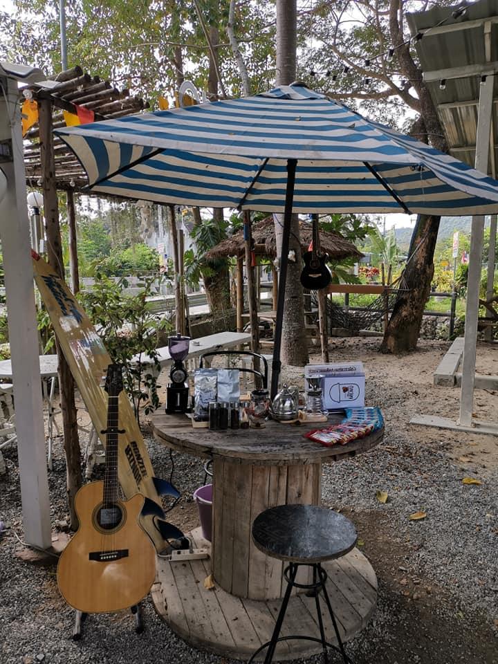 กาแฟชายเล ที่พลูตาหลวง สัตหีบ ชลบุรี