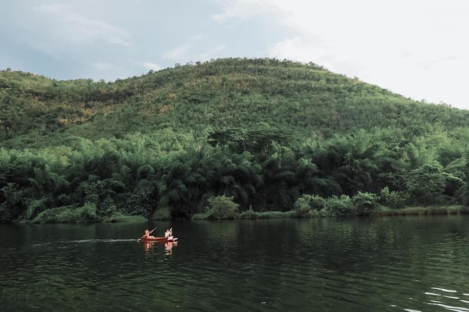 บ้านใจรัก รีสอร์ท กาญจนบุรี วิวสวยๆแม่น้ำและขุนเขา
