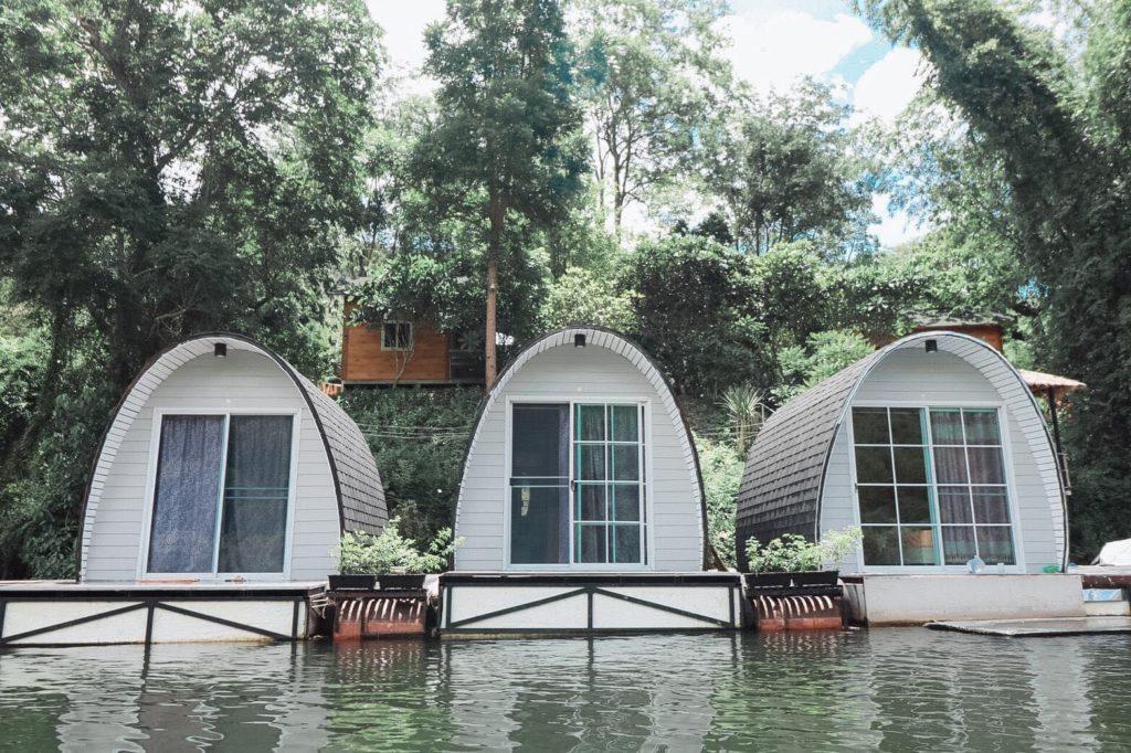 บ้านใจรัก รีสอร์ท กาญจนบุรี นอนริมแม่น้ำ