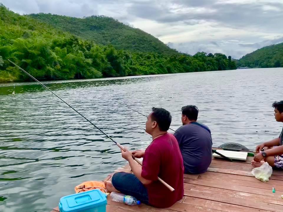 บ้านใจรัก รีสอร์ท กาญจนบุรีตกปลาก็ได้ค่ะ