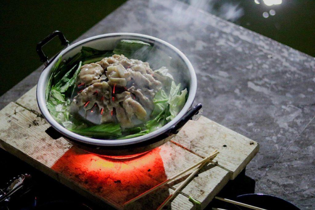 บ้านใจรัก รีสอร์ท กาญจนบุรีกินหมูกะทะกัน