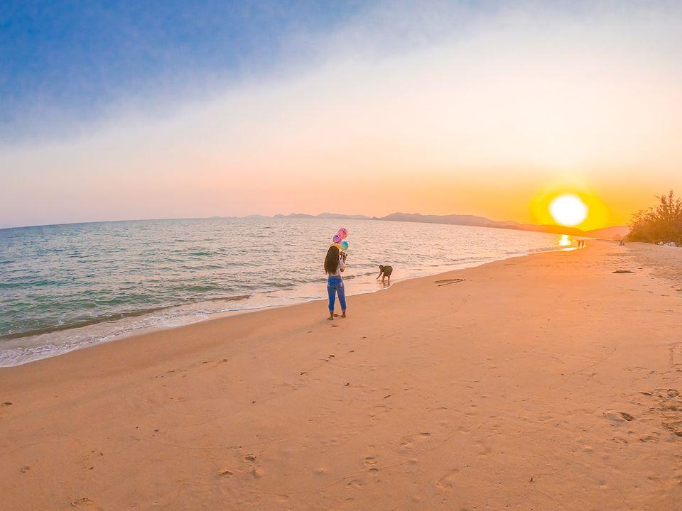 ชมตะวันตกดิน หาด EOD นภาธาราภิรมย์