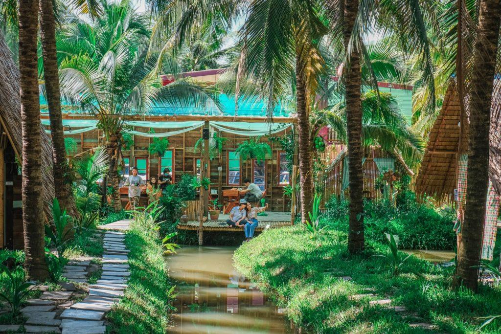 พร้าวหอม คาเฟ่ (PhraoHom cafe) นั่งชิลกลางสวนมะพร้าว บ้านแพ้ว
