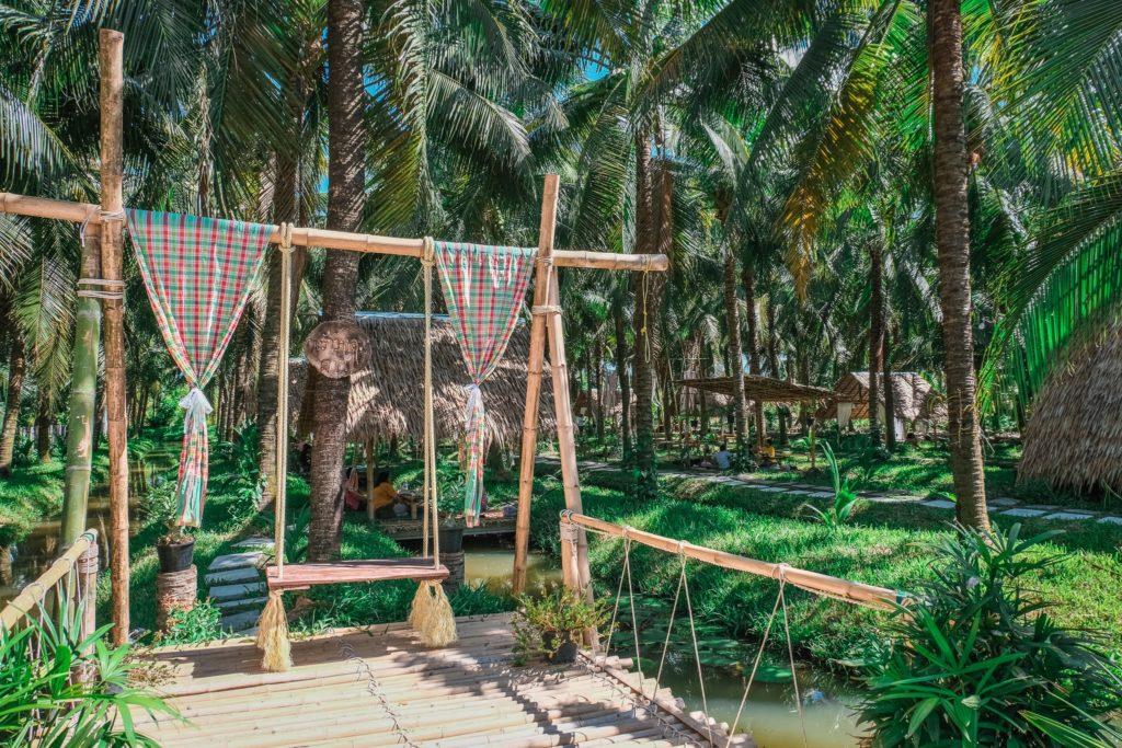 พร้าวหอม คาเฟ่ (PhraoHom cafe) นั่งชิลกลางสวนมะพร้าว บรรยากาศดี