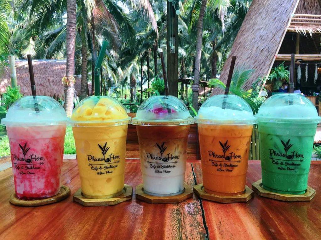 พร้าวหอม คาเฟ่ (PhraoHom cafe) สวนมะพร้าว บ้านแพ้ว สมุทรสาคร