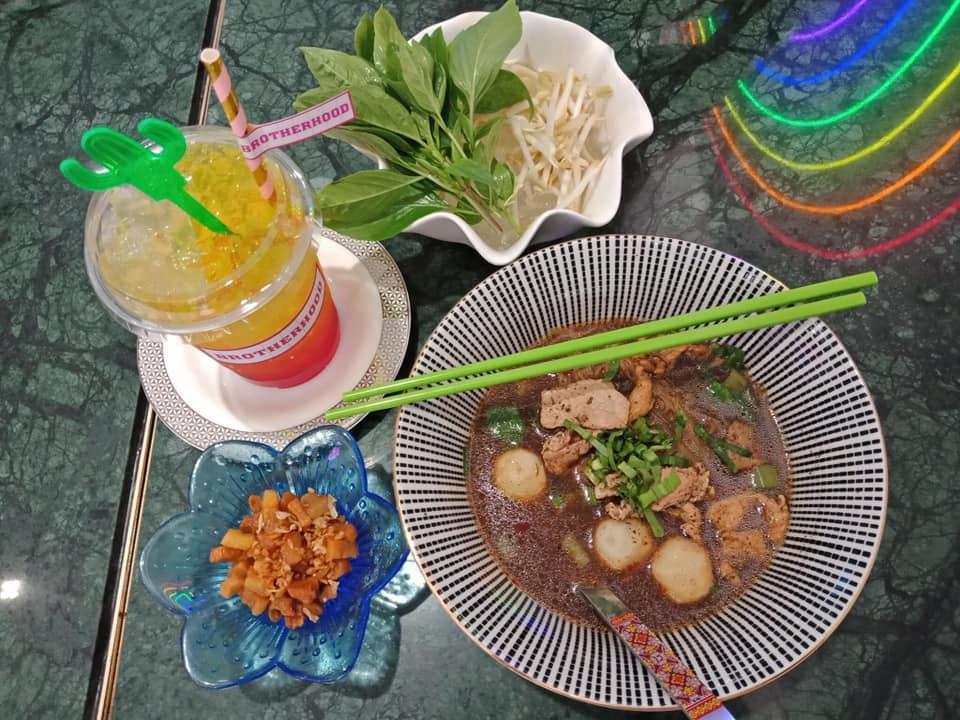 Brotherhood Pattaya ทานของอร่อยๆ