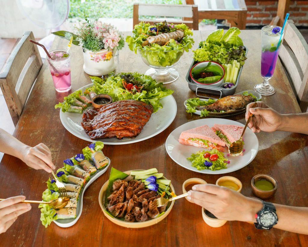Craft Land คาเฟ่คนรักสุขภาพ ทานอาหารดีๆ