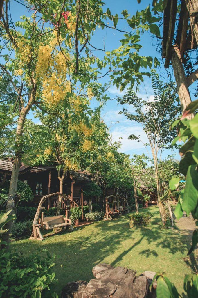 บ้านใบตาลรีสอร์ท (Baan Baitan) ธรรมชาติสีเขียว