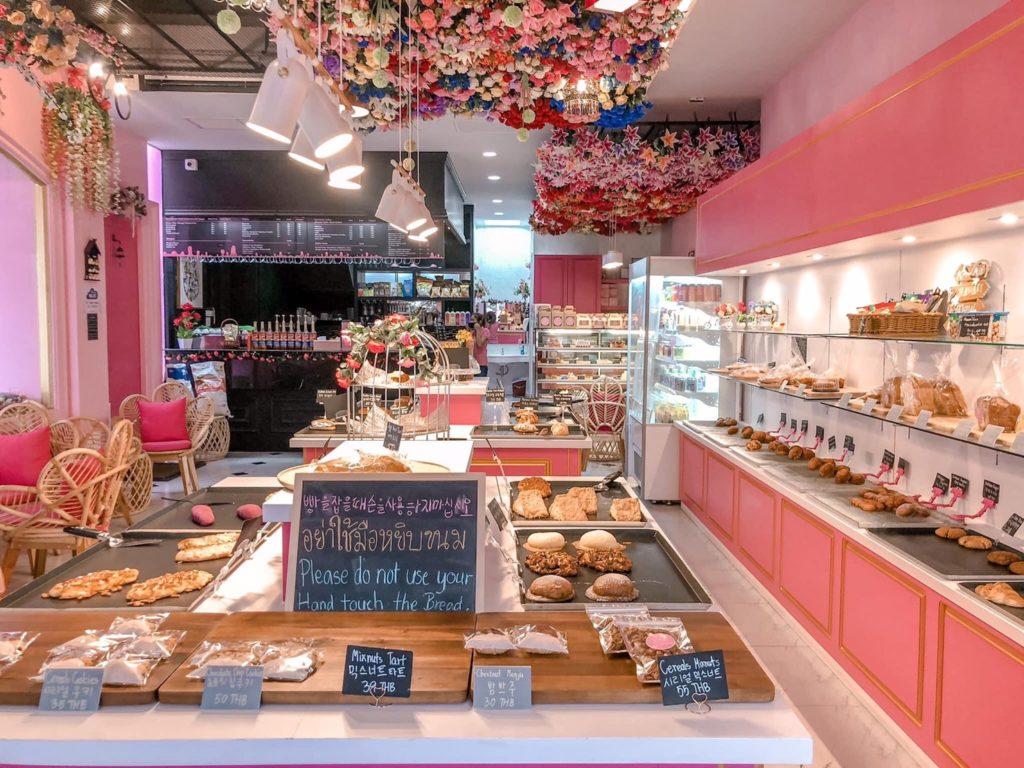 S'more Bakery & Cafe  มาพัทยาต้องลองแวะมาชมบรรยากาศ