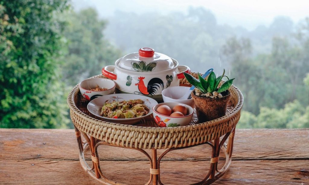 ลุงหมานโฮมสเตย์ดอยสกาด อาหารเช้ามาพร้อมกับสายหมอกสวย
