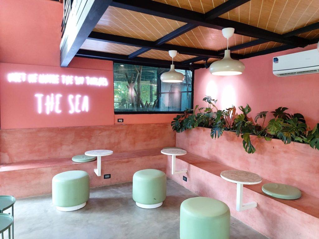 Pada cafe (พาดา คาเฟ่) คาเฟ่สีชมพูสวยงาม