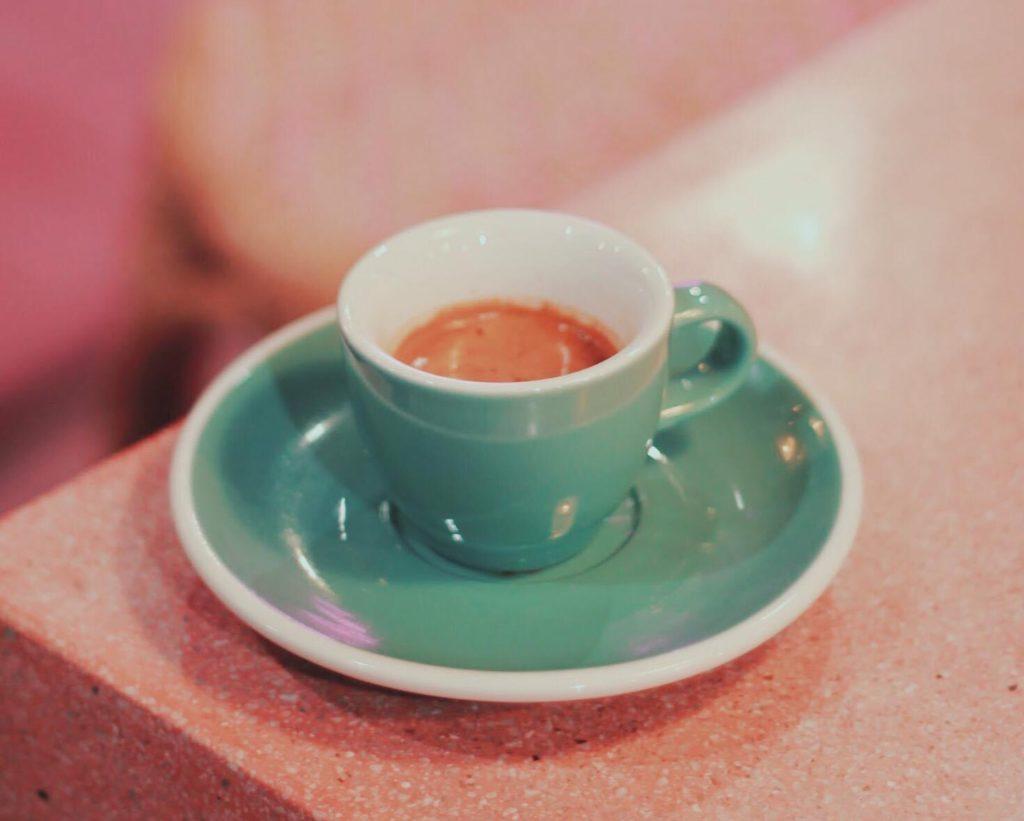 Pada cafe (พาดา คาเฟ่) กาแฟร้อนสักแก้วไหมค่ะ