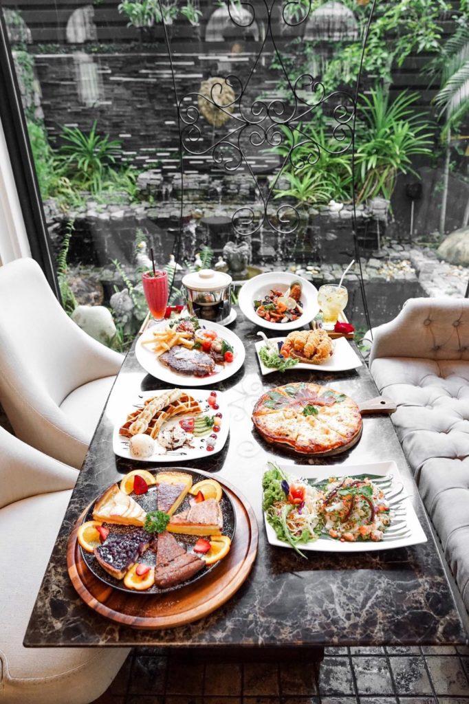Raffine Cafe (รัฟฟิเน่ คาเฟ่) อาหารและเครื่องดื่มหลากหลายให้เลือกทาน