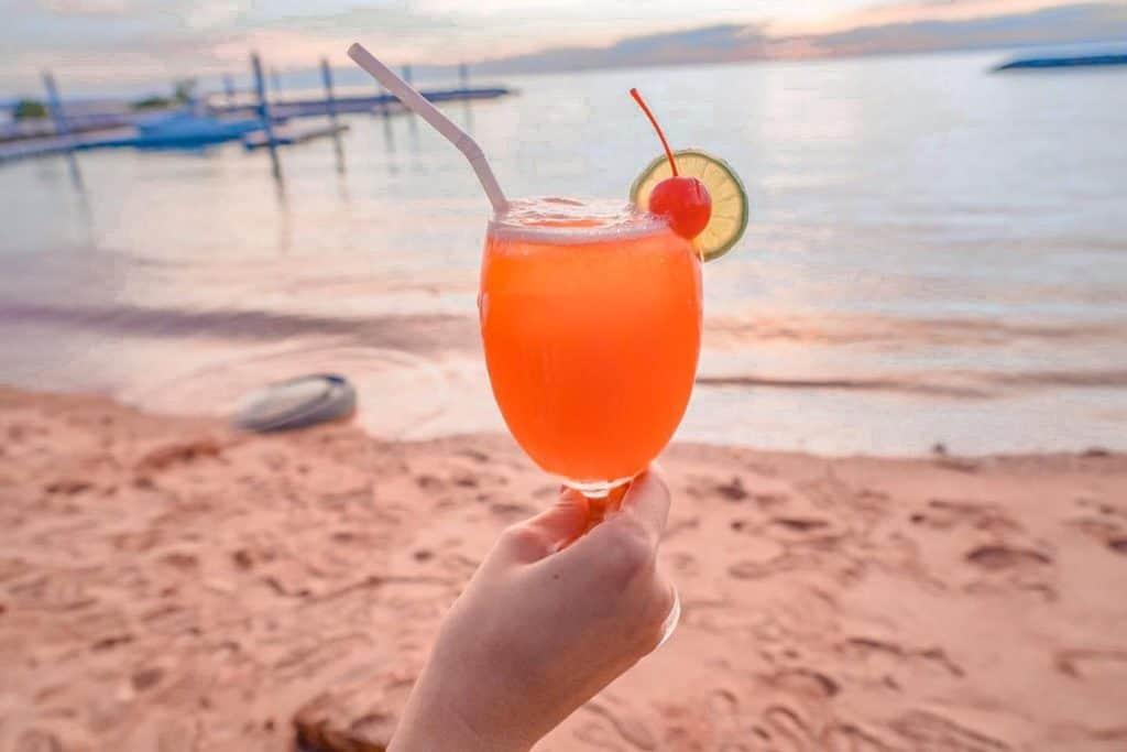 ริมทะเลสเต็ก พัทยา เครื่องดื่มดีๆกับบรรยากาศสุดชิว