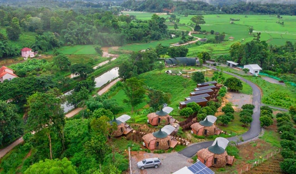 2Someplace Resort ท่ามกลางธรรมชาติสีเขียว