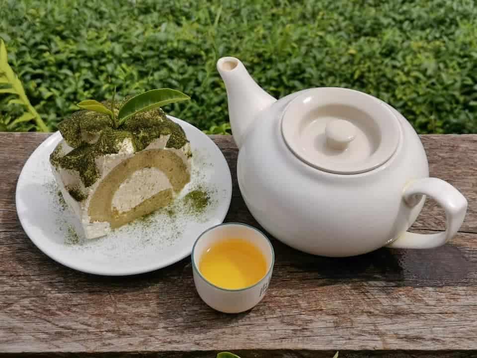 ไร่ชาลุงเดช จิบชาดีๆทานคู่กับเค้กอร่อยๆ
