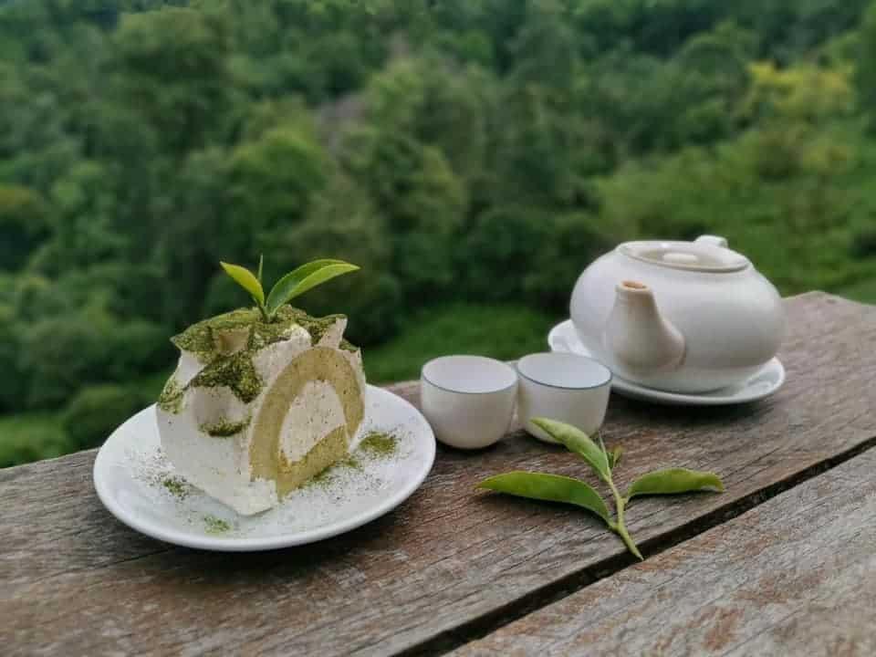 ไร่ชาลุงเดช  จิบชาหอมๆ