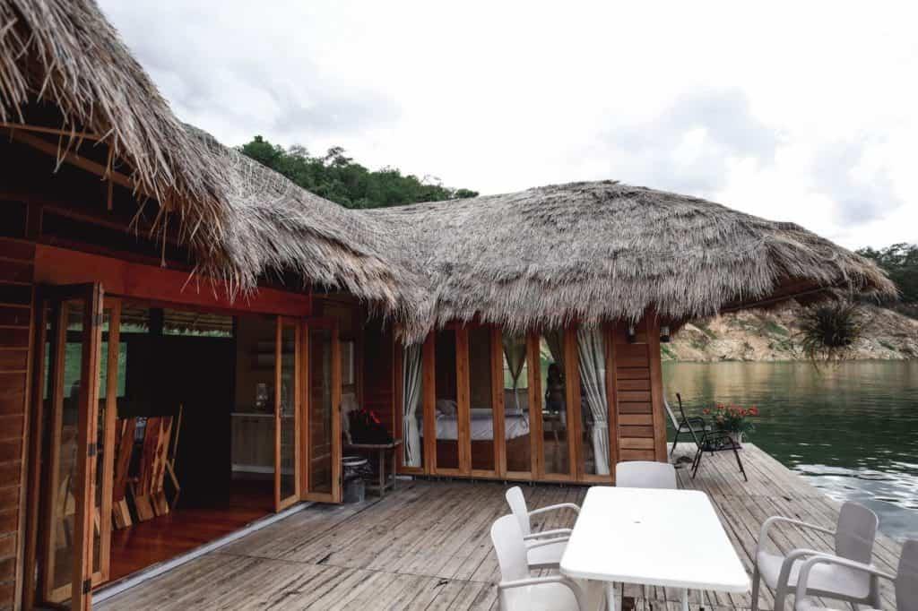 Velaloy-เวลาลอย บ้านพักลอยน้ำน่าเข้าเช็คอิน