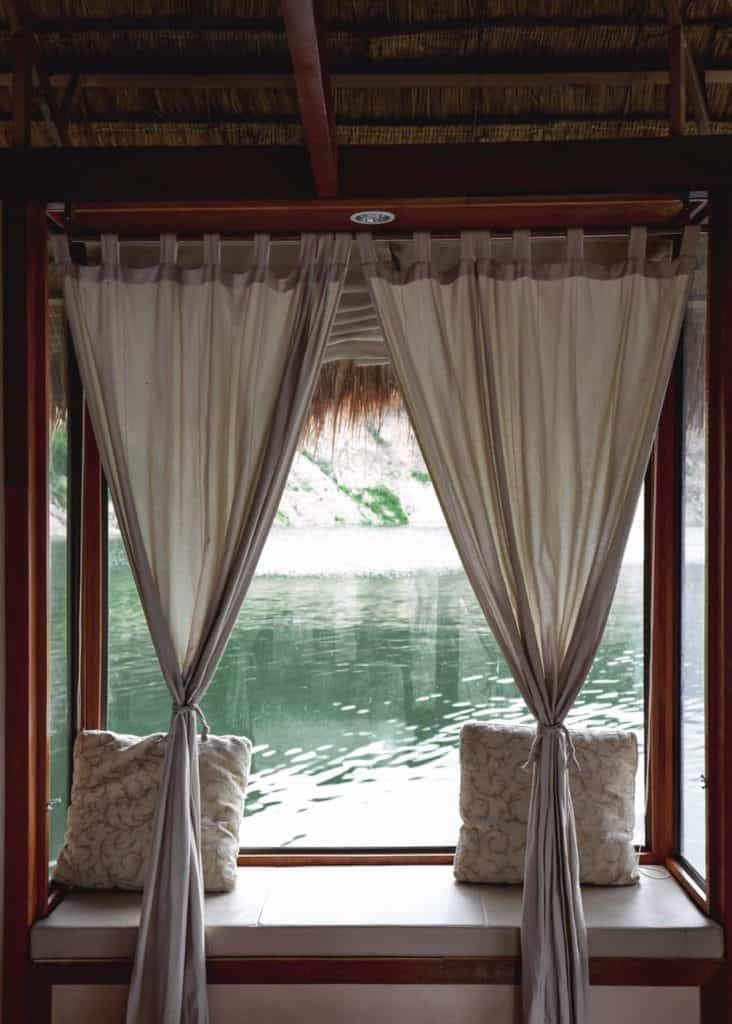 Velaloy-เวลาลอย บ้านพักลอยน้ำวิวร้อยล้าน