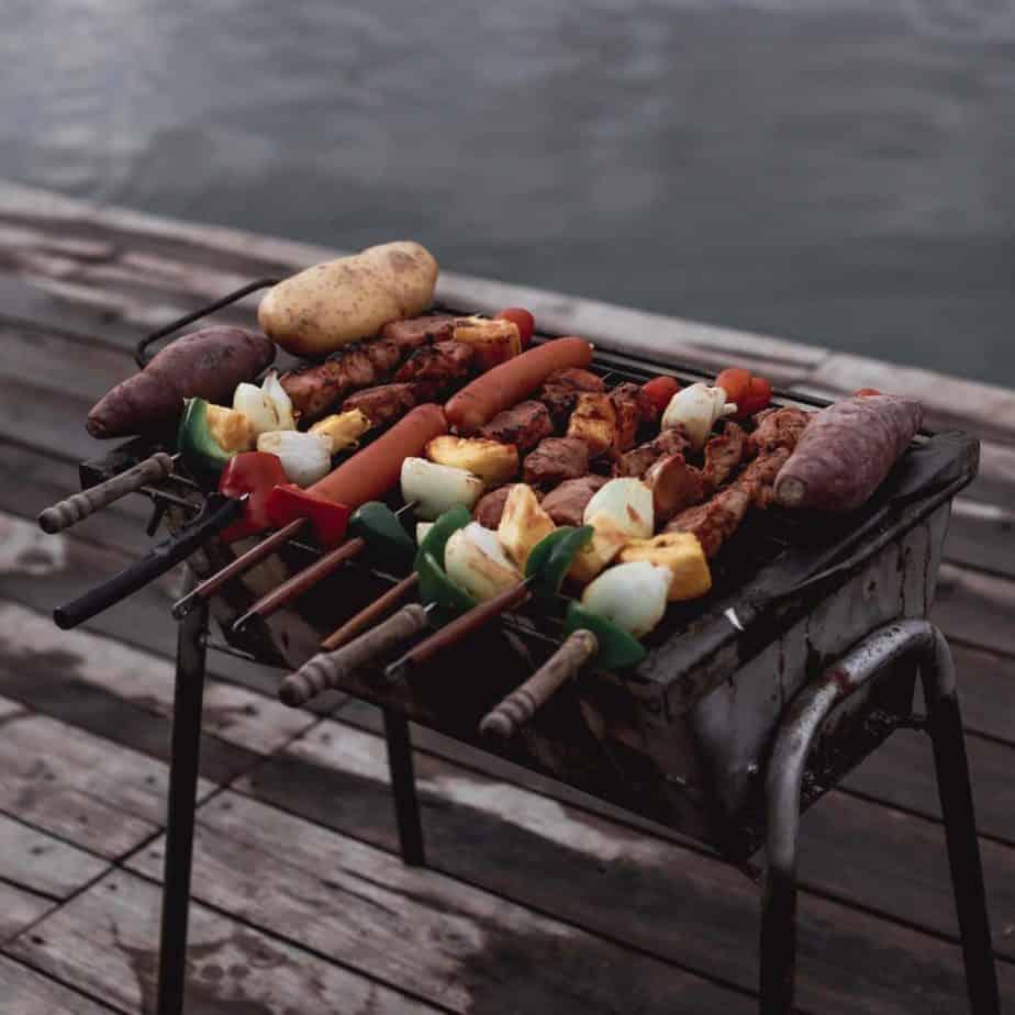 Velaloy-เวลาลอย มีอาหารเย็นให้เลือกทานหลายรูปแบบ
