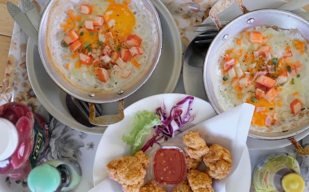 ทานอาหารระหว่างการเดินทางไปหรือกลับ บ้านเสริมสุขแอดภูลังกา
