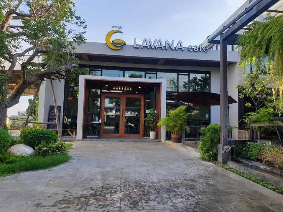 Lavana cafe  มีมุมให้เลือกนั่งหลากหลาย