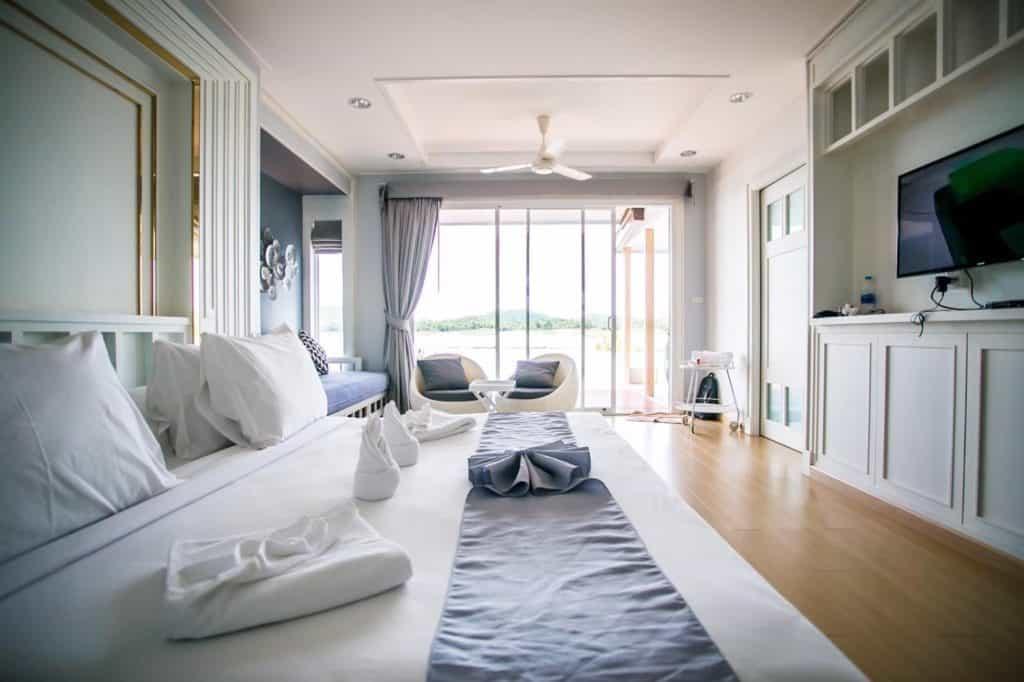 Rayaburi Resort (รายาบุรี รีสอร์ท) ห้องพักสะอาดน่าพัก