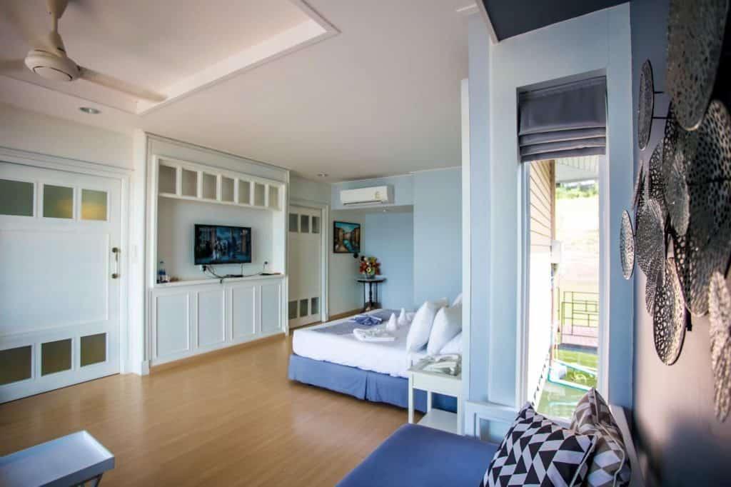 Rayaburi Resort (รายาบุรี รีสอร์ท) ห้องพักกว้างขวาง