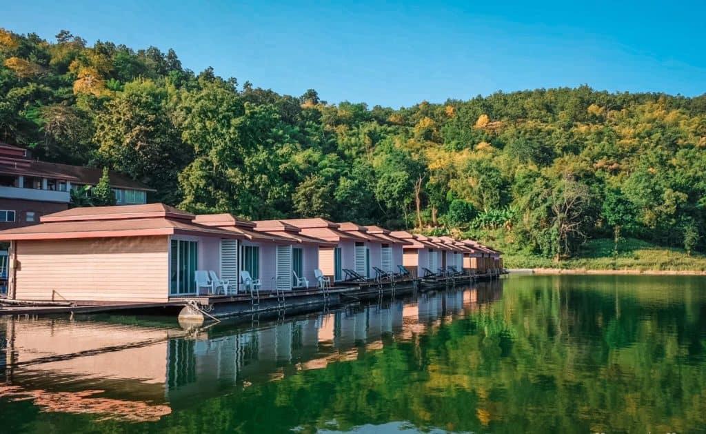 Rayaburi Resort (รายาบุรี รีสอร์ท) แพริมน้ำบรรยากาศดี