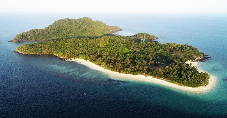 สถานที่ท่องเที่ยวสตูล บรรยากาศดีและมีความน่าเที่ยวสุด ๆ สายคนชอบทะเลไม่ควรพลาด สถานที่ท่องเที่ยวที่สองที่แอดอยากจะมาแนะนำ คือ เกาะบุโหลน