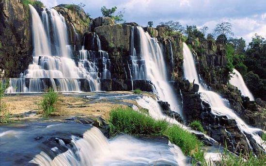 ที่เที่ยวเวียดนามสวยๆ ที่น้ำตกสวยๆ