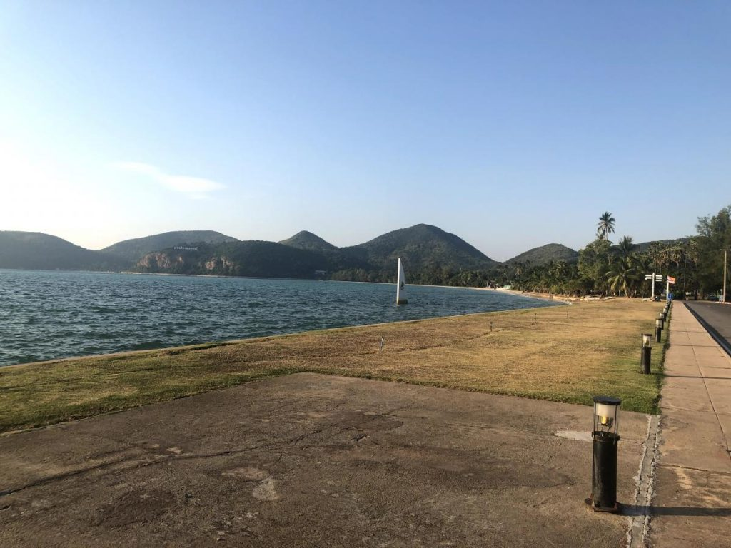 หาดเตยงาม ปิดชั่วคราว กระทบหนัก เรื่องการท่องเที่ยว ของชลบุรี