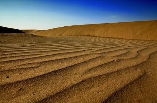 ความโดดเด่นและที่เที่ยวข้างเคียงหาดหงส์ อุบลราชธานี
